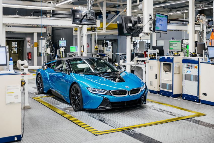 BMW i8 production ends with 18 special coloured cars Image #1137128