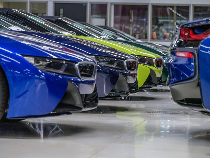 BMW i8 production ends with 18 special coloured cars Image #1137203