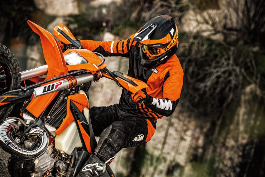 KTM unveils 2021 EXC motocross and enduro bikes Image #1135747