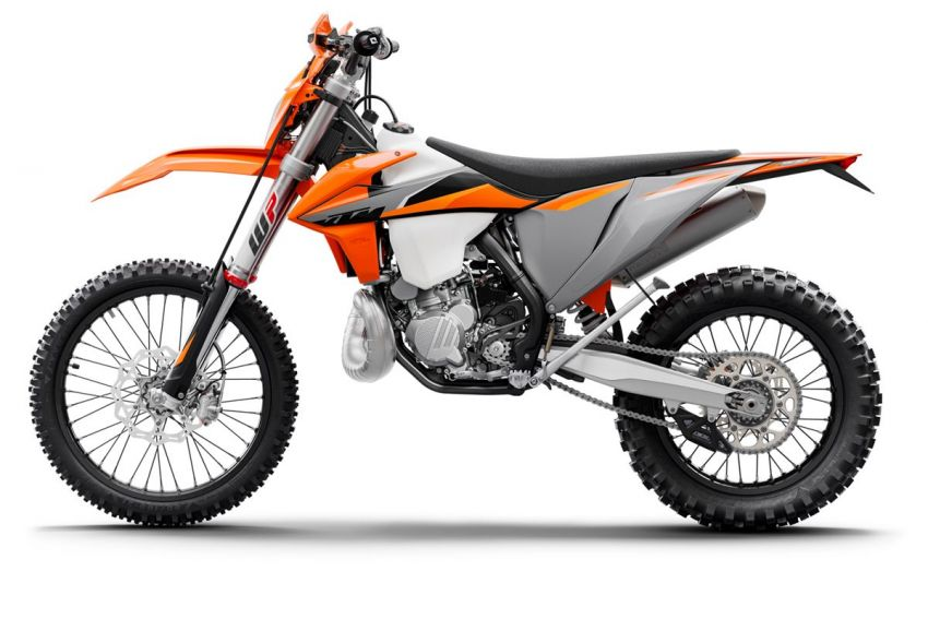 KTM unveils 2021 EXC motocross and enduro bikes Image #1135750