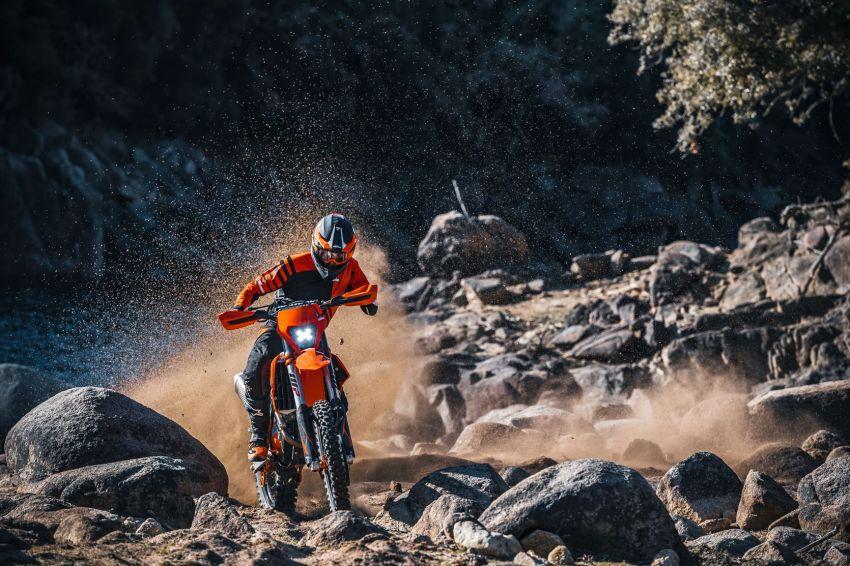 KTM unveils 2021 EXC motocross and enduro bikes Image #1135753