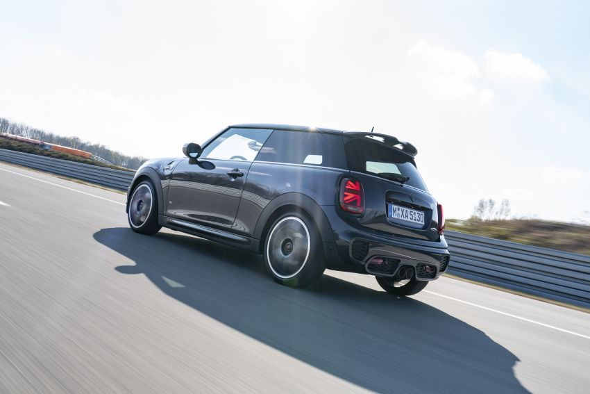 MINI John Cooper Works GP Pack – visual kit for the 231 hp three-door John Cooper Works hatchback Image #1128896