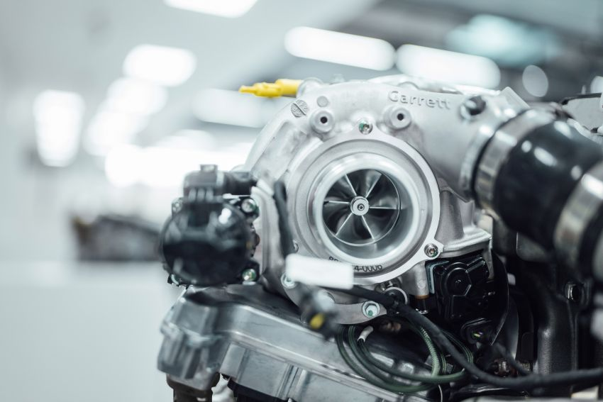 Mercedes-AMG shows off its new electric turbocharger Image #1132917