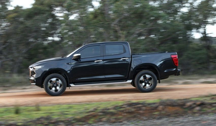 All-new Mazda BT-50 pick-up truck revealed – Kodo design on Isuzu D-Max base, unique dashboard Image #1131701
