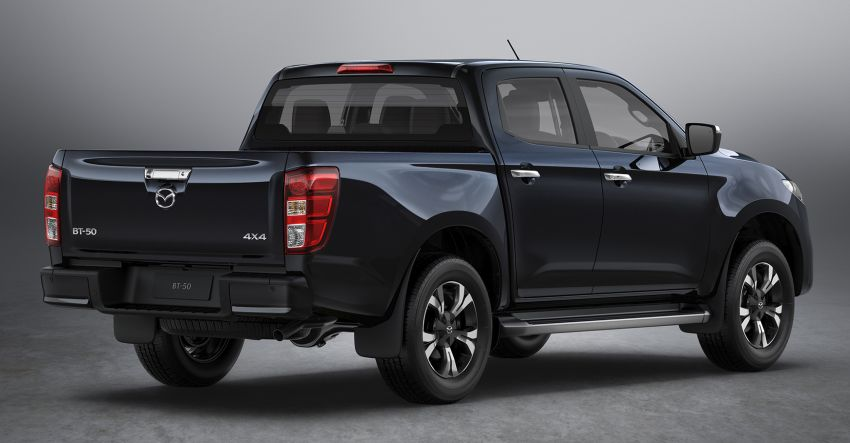 All-new Mazda BT-50 pick-up truck revealed – Kodo design on Isuzu D-Max base, unique dashboard Image #1131637