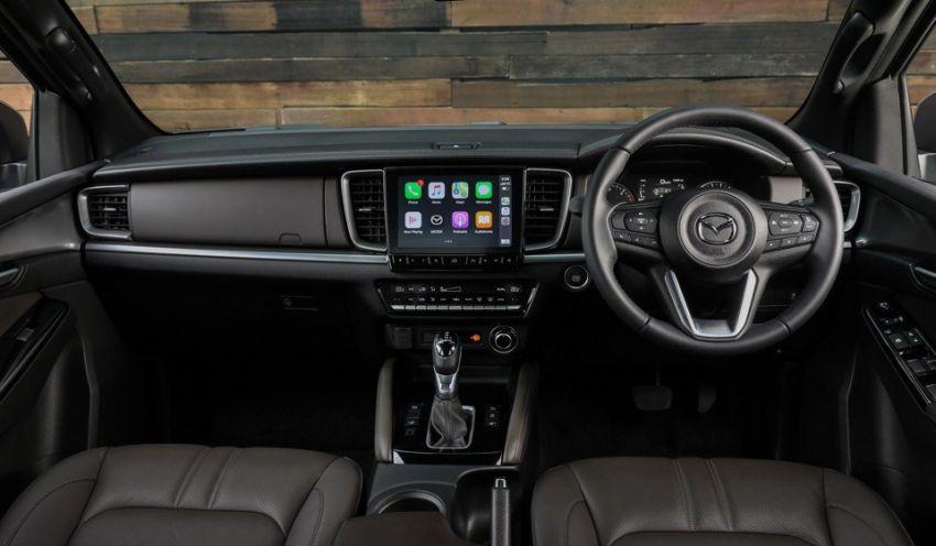 All-new Mazda BT-50 pick-up truck revealed – Kodo design on Isuzu D-Max base, unique dashboard Image #1131698