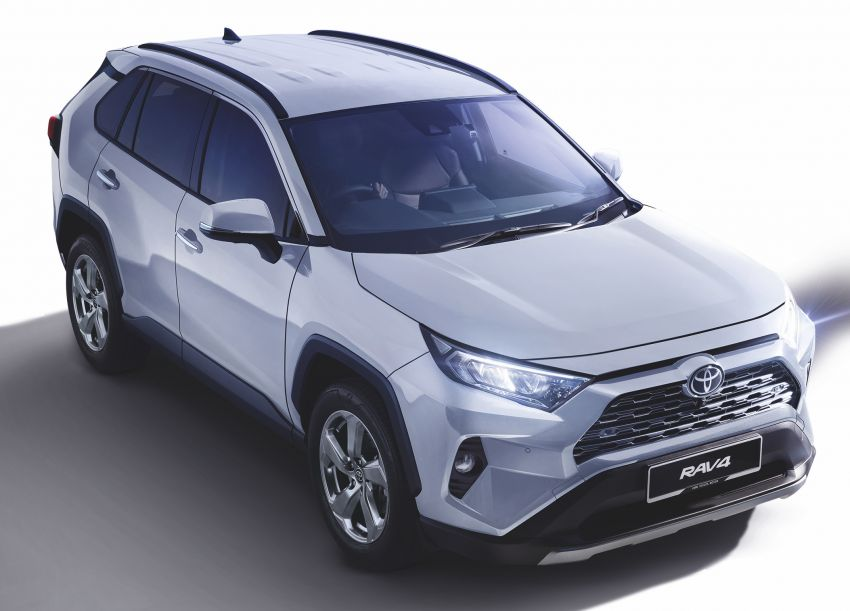 2020 Toyota RAV4 SUV launched in Malaysia – CBU Japan, 2.0L CVT RM196,500, 2.5L 8AT RM215,700 Image #1132646