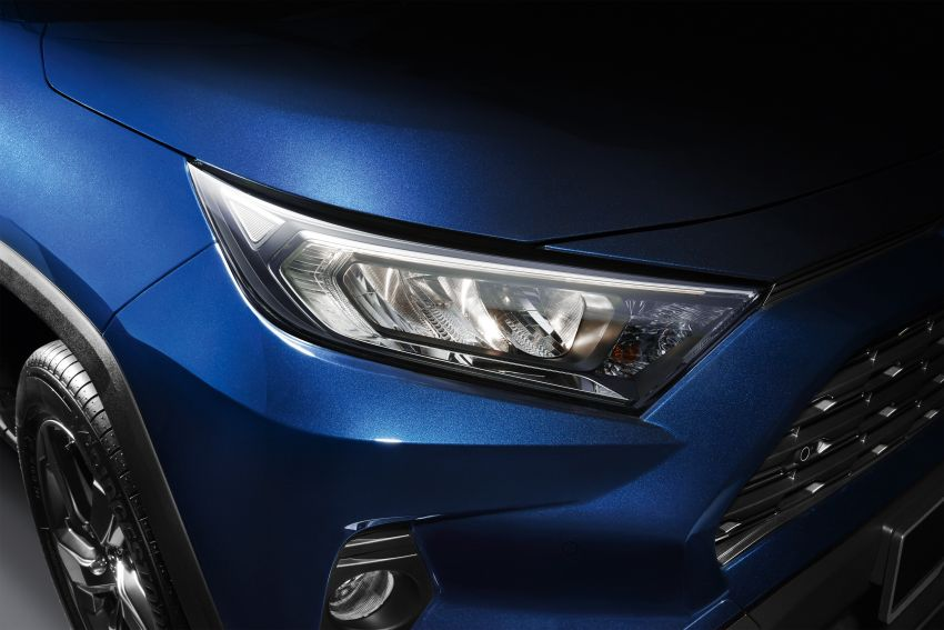 2020 Toyota RAV4 SUV launched in Malaysia – CBU Japan, 2.0L CVT RM196,500, 2.5L 8AT RM215,700 Image #1132446