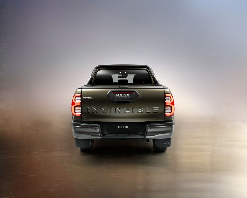 Toyota Hilux facelift didedahkan – rupa lebih garang, model 2.8L turbodiesel terima kuasa 204 hp/500 Nm Image #1126380