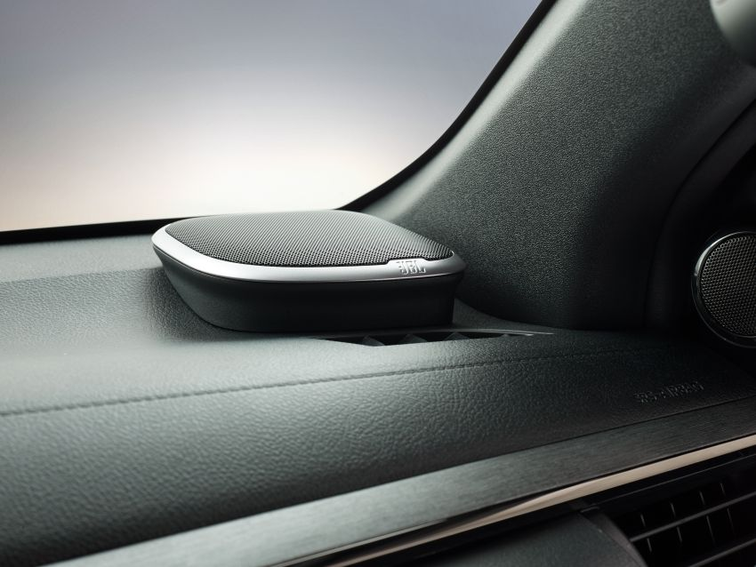 Toyota Hilux facelift didedahkan – rupa lebih garang, model 2.8L turbodiesel terima kuasa 204 hp/500 Nm Image #1126366