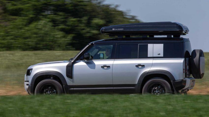 Land Rover Defender 110 2020 kini ditawarkan dengan opsyen khemah bumbung, dihasilkan oleh Autohome Image #1134987