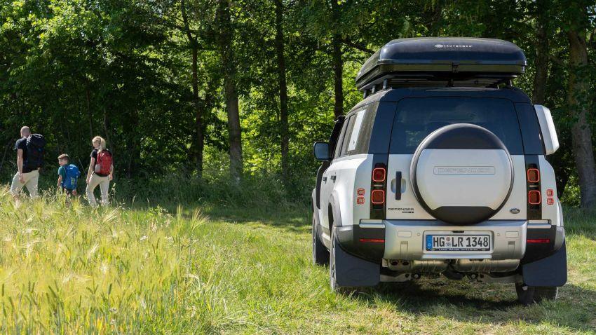Land Rover Defender 110 2020 kini ditawarkan dengan opsyen khemah bumbung, dihasilkan oleh Autohome Image #1134995