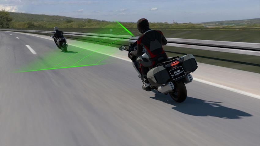 BMW Motorrad shows Active Cruise Control for bikes Image #1140111