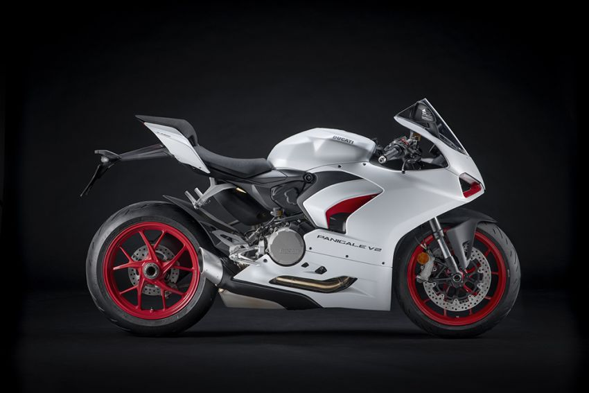 2020 Ducati Panigale V2 now in White Rosso colour scheme, Malaysia launch in July pending approval Image #1139709