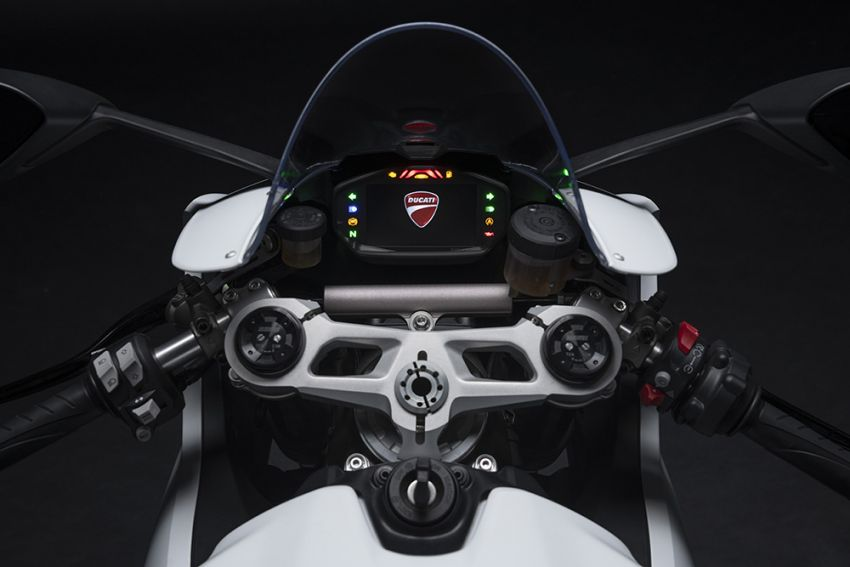 2020 Ducati Panigale V2 now in White Rosso colour scheme, Malaysia launch in July pending approval Image #1139735
