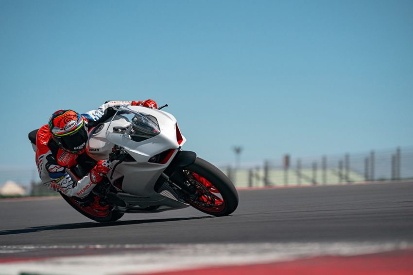 2020 Ducati Panigale V2 now in White Rosso colour scheme, Malaysia launch in July pending approval Image #1139743