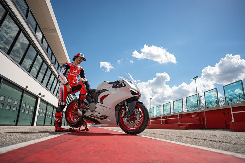 2020 Ducati Panigale V2 now in White Rosso colour scheme, Malaysia launch in July pending approval Image #1139748