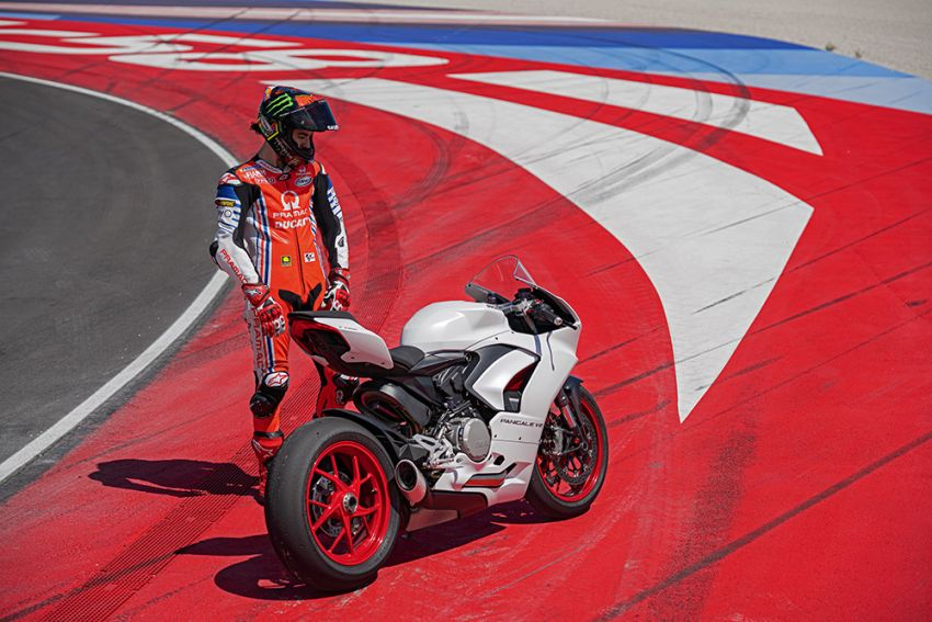 2020 Ducati Panigale V2 now in White Rosso colour scheme, Malaysia launch in July pending approval Image #1139750