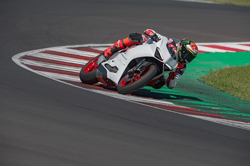 2020 Ducati Panigale V2 now in White Rosso colour scheme, Malaysia launch in July pending approval Image #1139753