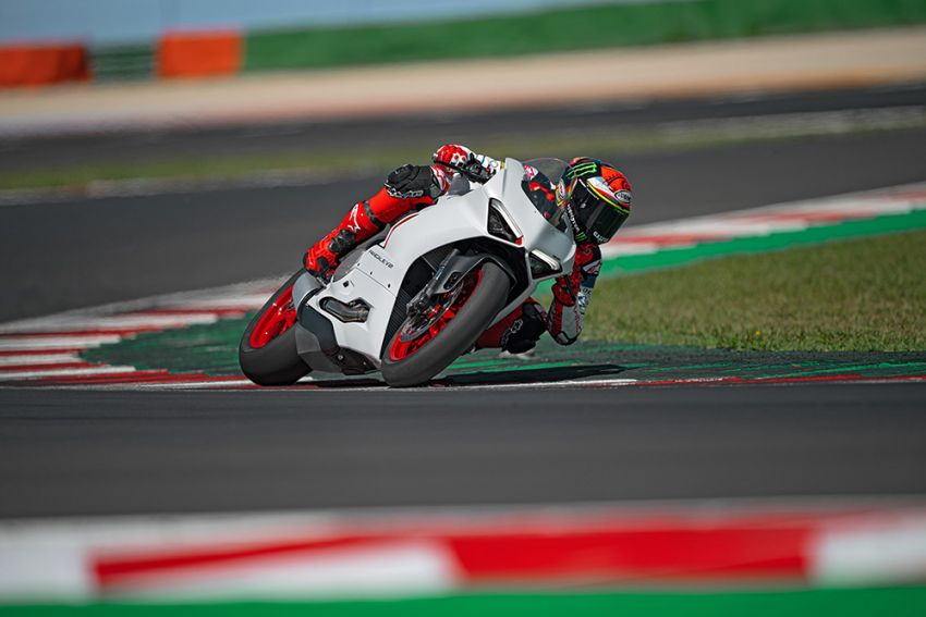 2020 Ducati Panigale V2 now in White Rosso colour scheme, Malaysia launch in July pending approval Image #1139755