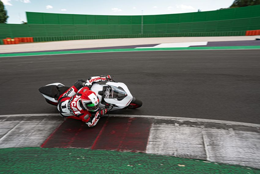 2020 Ducati Panigale V2 now in White Rosso colour scheme, Malaysia launch in July pending approval Image #1139759