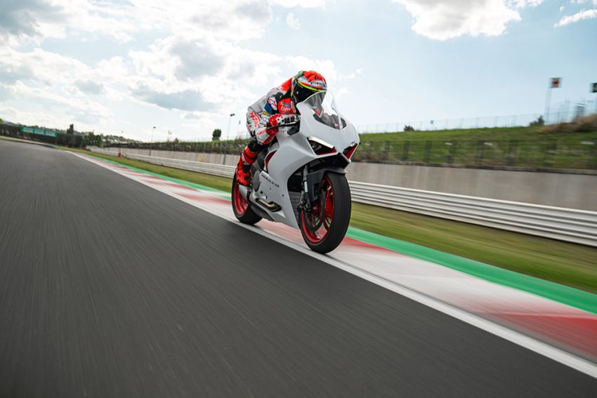 2020 Ducati Panigale V2 now in White Rosso colour scheme, Malaysia launch in July pending approval Image #1139766