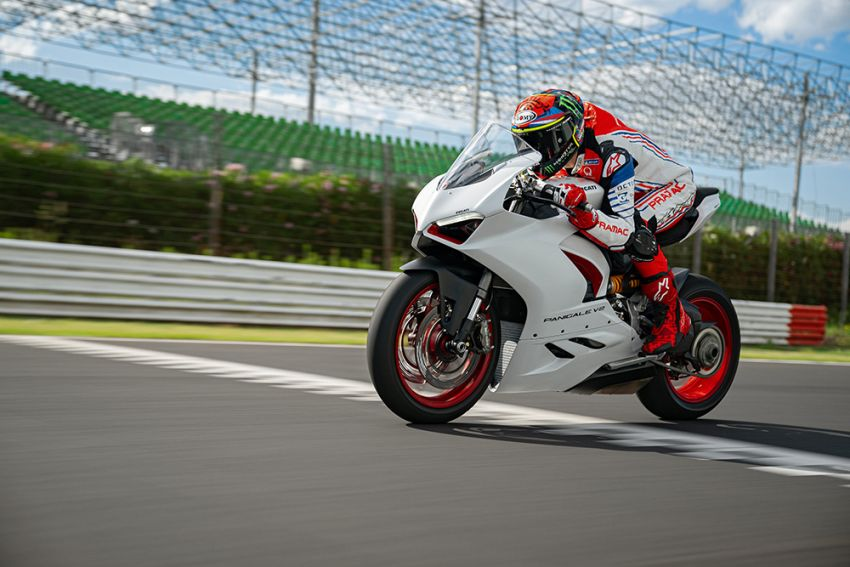 2020 Ducati Panigale V2 now in White Rosso colour scheme, Malaysia launch in July pending approval Image #1139767