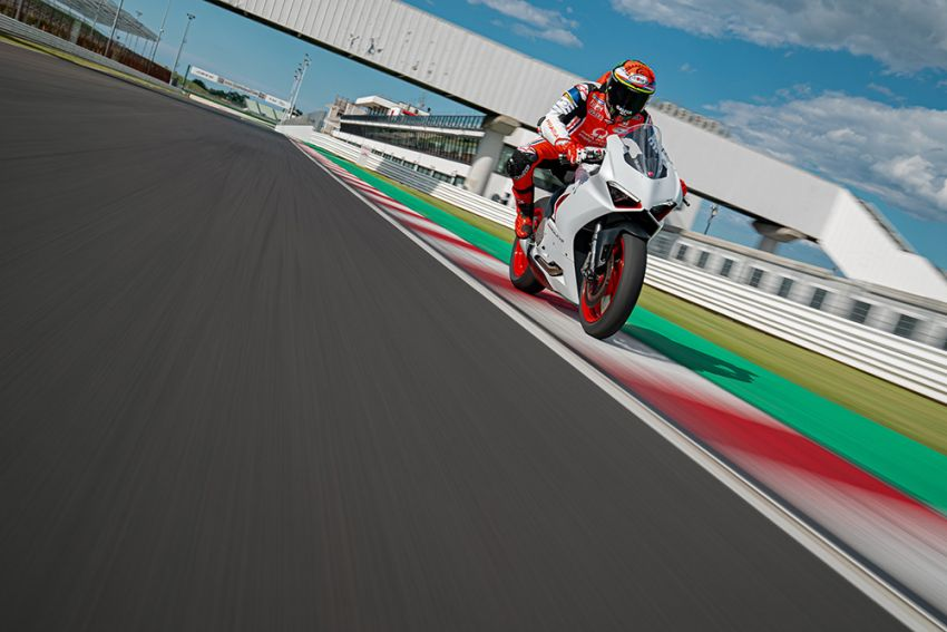2020 Ducati Panigale V2 now in White Rosso colour scheme, Malaysia launch in July pending approval Image #1139768