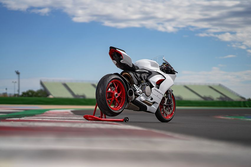 2020 Ducati Panigale V2 now in White Rosso colour scheme, Malaysia launch in July pending approval Image #1139772