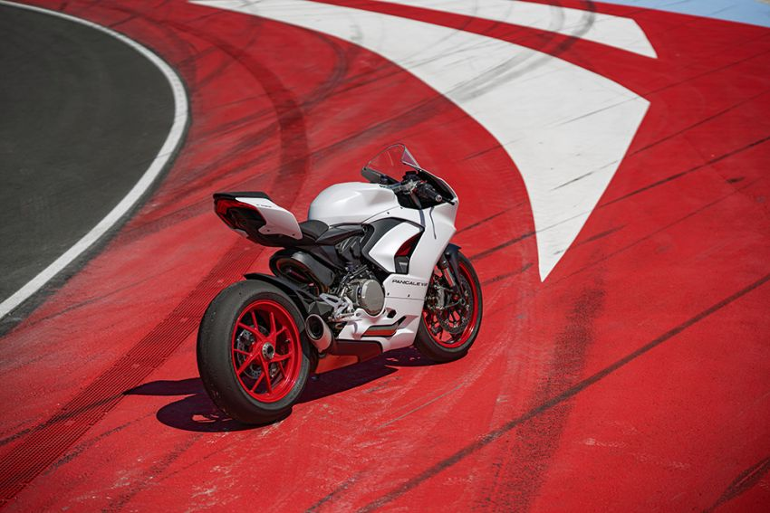 2020 Ducati Panigale V2 now in White Rosso colour scheme, Malaysia launch in July pending approval Image #1139775