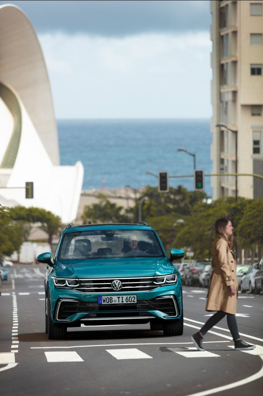 2020 Volkswagen Tiguan facelift debuts – updated styling and equipment; new PHEV, 320 PS R variants Image #1139030
