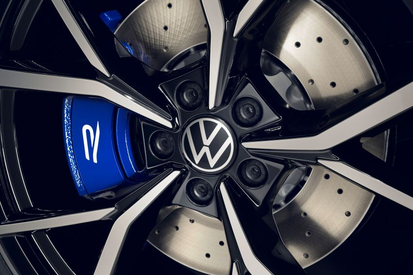 2020 Volkswagen Tiguan facelift debuts – updated styling and equipment; new PHEV, 320 PS R variants Image #1139414