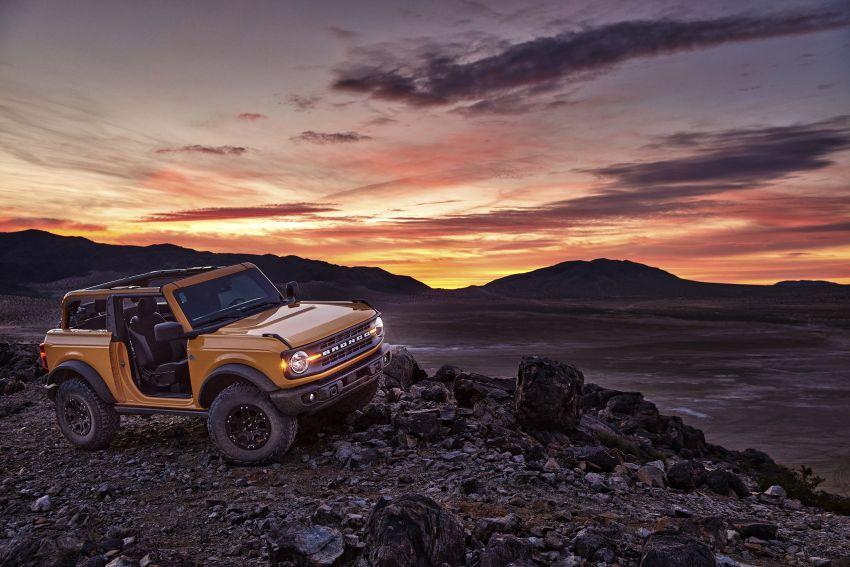 Ford Bronco 2021 didedahkan – pintu, bumbung dan panel badan boleh ditanggal, 2 pilihan enjin EcoBoost Image #1145648