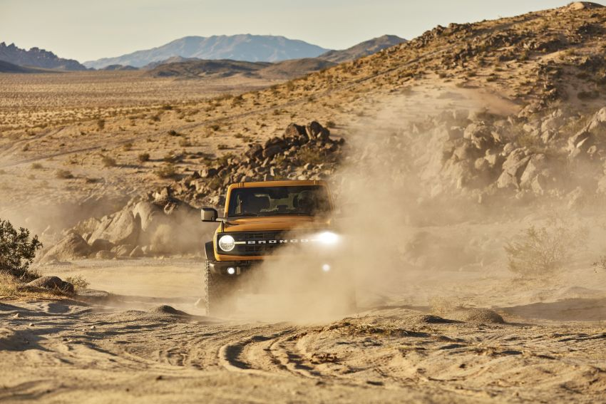 Sixth-generation Ford Bronco debuts – two EcoBoost petrols, removable panels and washable interior Image #1145080