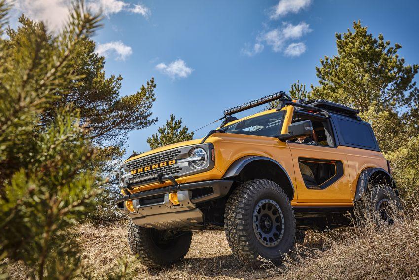 Ford Bronco 2021 didedahkan – pintu, bumbung dan panel badan boleh ditanggal, 2 pilihan enjin EcoBoost Image #1145654