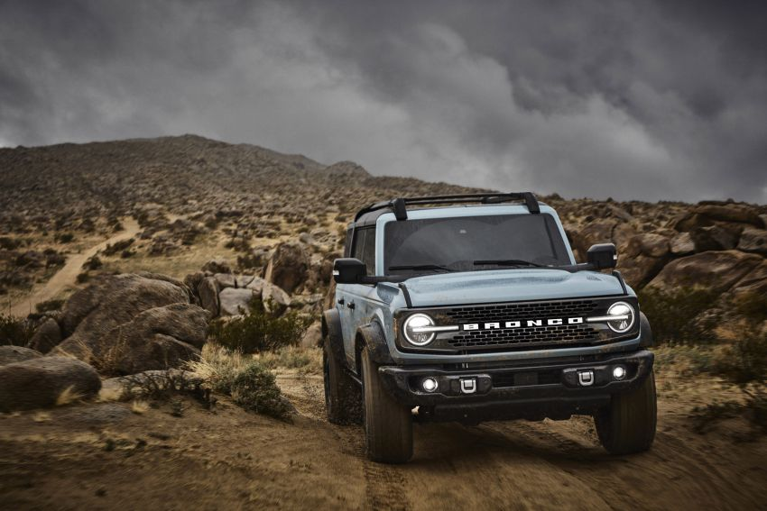 Sixth-generation Ford Bronco debuts – two EcoBoost petrols, removable panels and washable interior Image #1145077