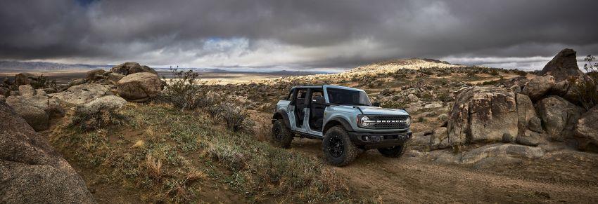 Ford Bronco 2021 didedahkan – pintu, bumbung dan panel badan boleh ditanggal, 2 pilihan enjin EcoBoost Image #1145658