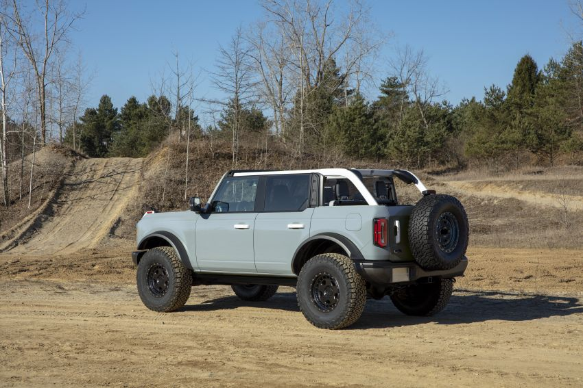 Sixth-generation Ford Bronco debuts – two EcoBoost petrols, removable panels and washable interior Image #1145058