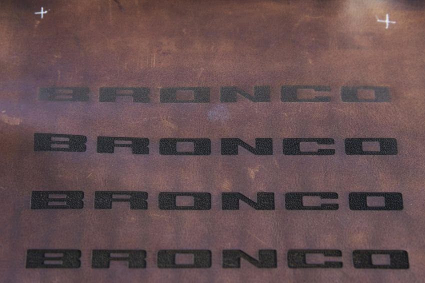 Ford Bronco 2021 didedahkan – pintu, bumbung dan panel badan boleh ditanggal, 2 pilihan enjin EcoBoost Image #1145722