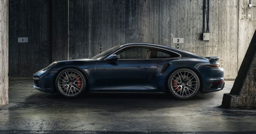 992 Porsche 911 Turbo – 580 PS/750 Nm, optional Lightweight Design package offers 30 kg reduction Image #1147491