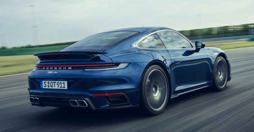 992 Porsche 911 Turbo – 580 PS/750 Nm, optional Lightweight Design package offers 30 kg reduction Image #1147507