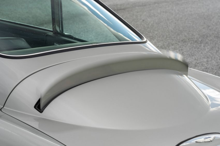 Aston Martin DB5 <em>Goldfinger</em> Continuation – first customer car of 25 completed; 4,500 hours of work Image #1144025