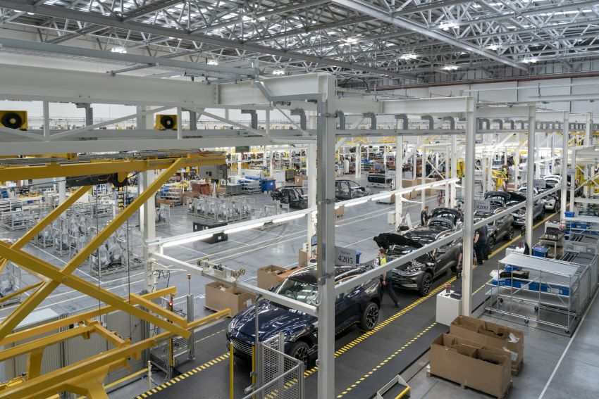 Aston Martin DBX production commences at St Athan Image #1144256