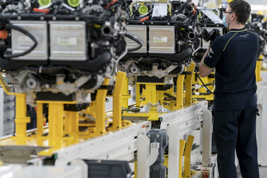 Aston Martin DBX production commences at St Athan Image #1144266