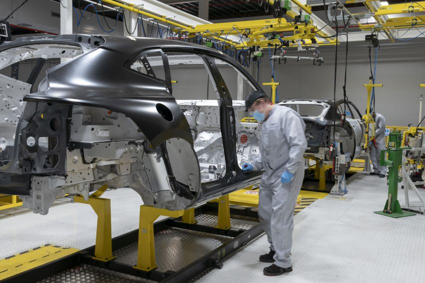 Aston Martin DBX production commences at St Athan Image #1144261