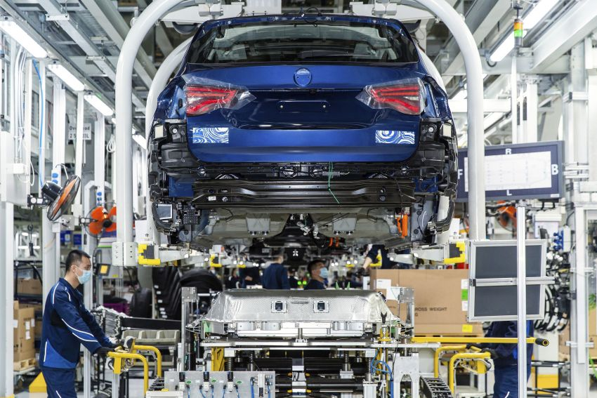 BMW iX3 debuts – 460 km range, 0-100 km/h in 6.8s; Adaptive M suspension as later over-the-air update Image #1146070