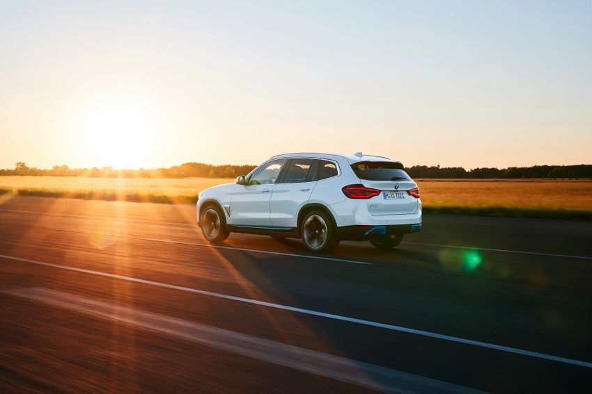 BMW iX3 debuts – 460 km range, 0-100 km/h in 6.8s; Adaptive M suspension as later over-the-air update Image #1146095