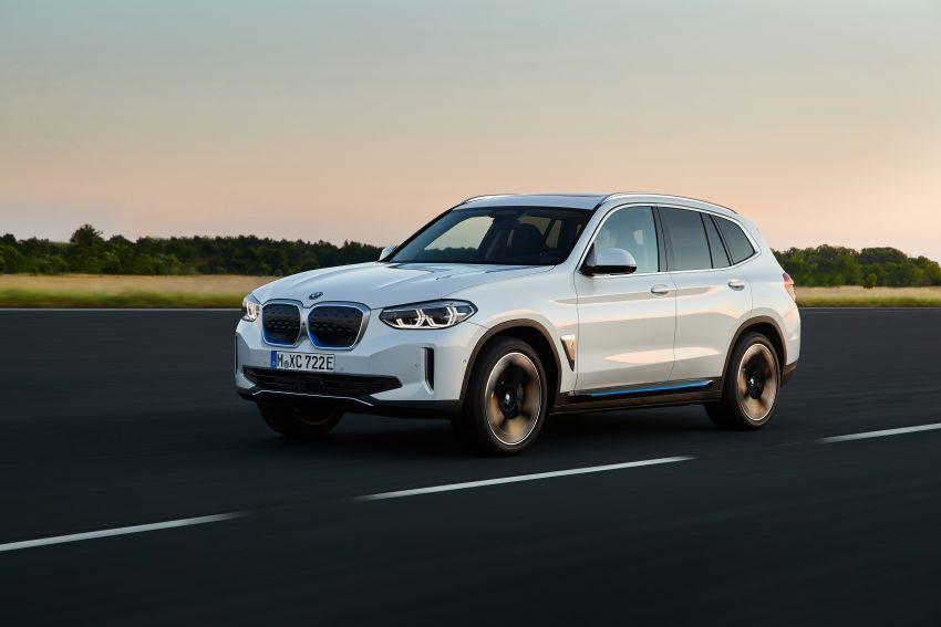 BMW iX3 debuts – 460 km range, 0-100 km/h in 6.8s; Adaptive M suspension as later over-the-air update Image #1146096