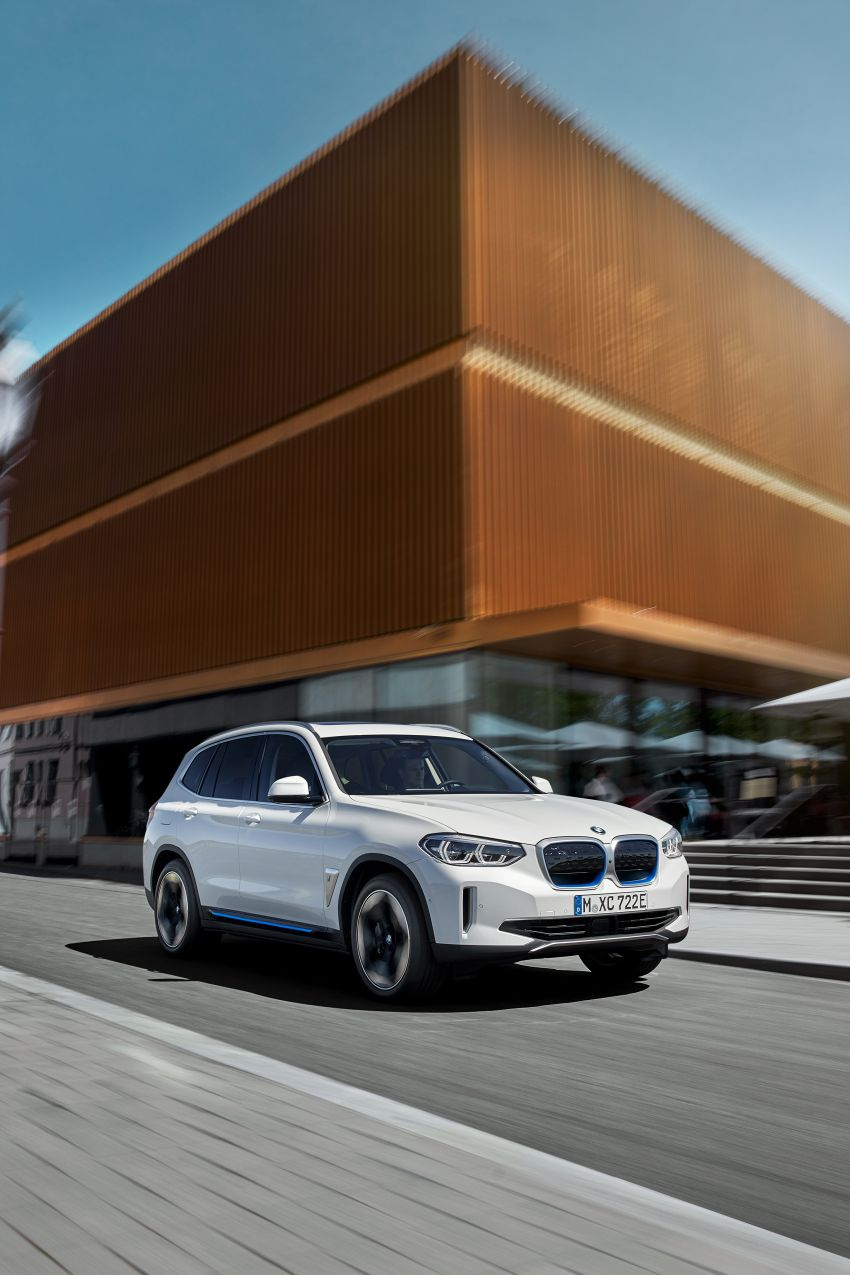 BMW iX3 debuts – 460 km range, 0-100 km/h in 6.8s; Adaptive M suspension as later over-the-air update Image #1146102