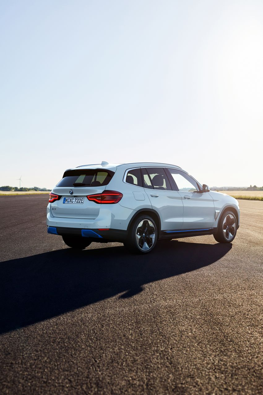 BMW iX3 debuts – 460 km range, 0-100 km/h in 6.8s; Adaptive M suspension as later over-the-air update Image #1146106